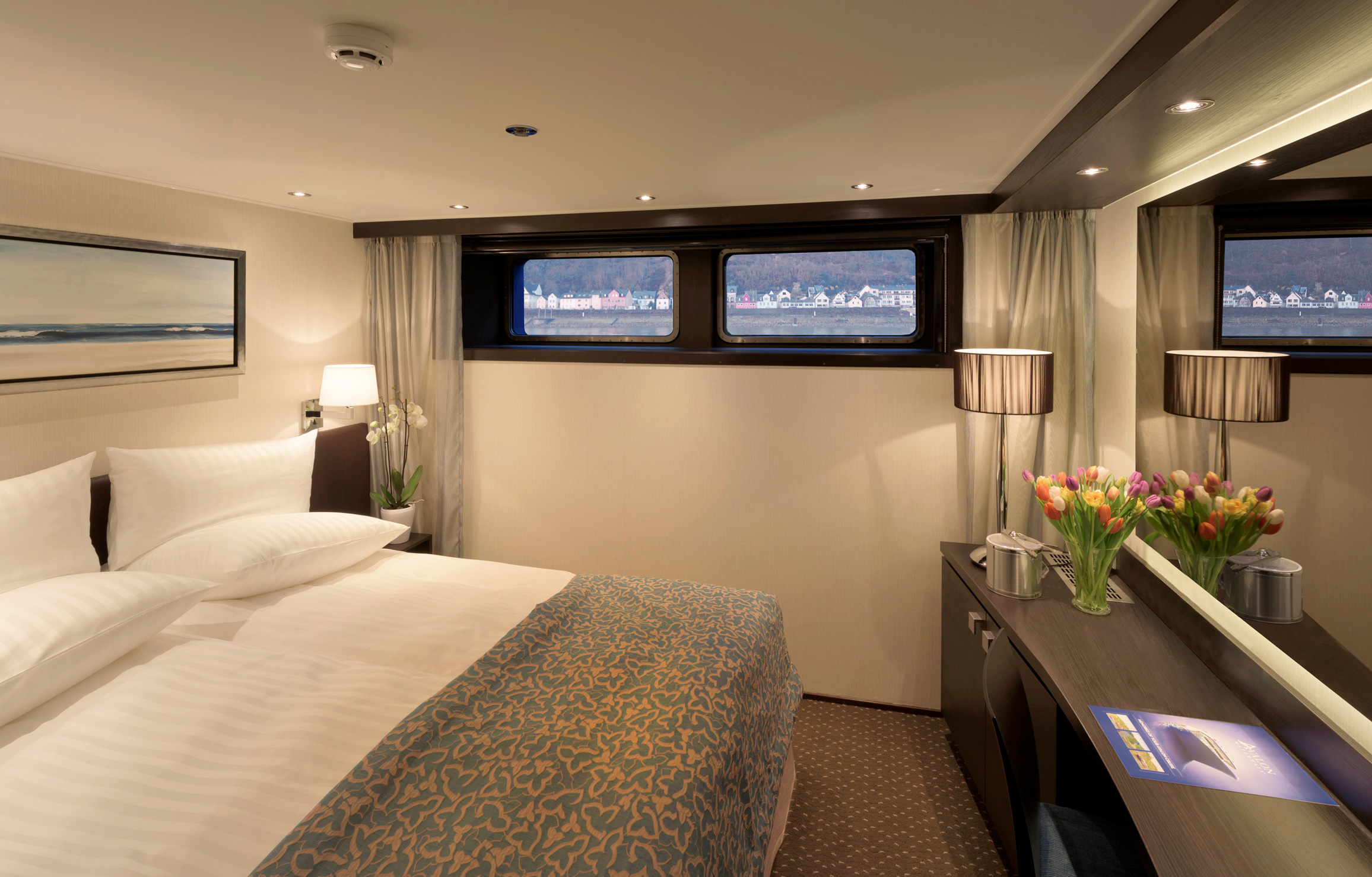 TRANQUILITY_II_deluxe_stateroom.jpg